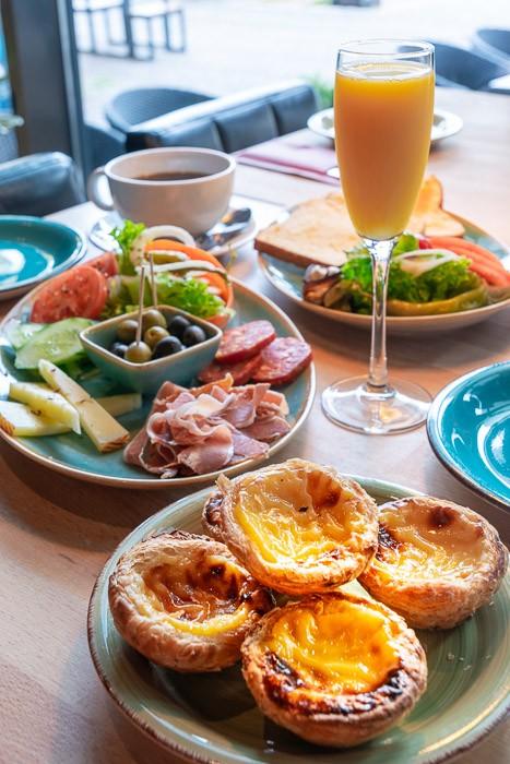 Azul Fruehstueck Cafe Kiel 0290 kl Azul