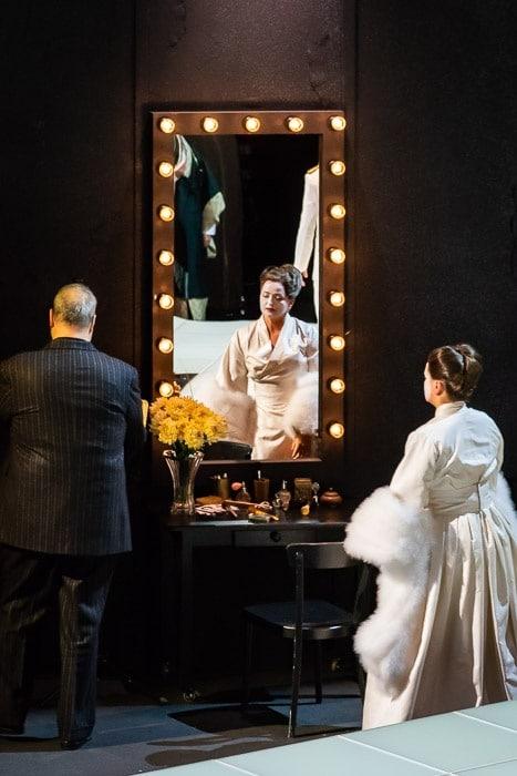Kiel Oper Mdme Butterfly 4 kl Oper