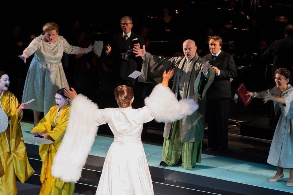 Oper Kiel Mdme Butterfly kl 5 Oper