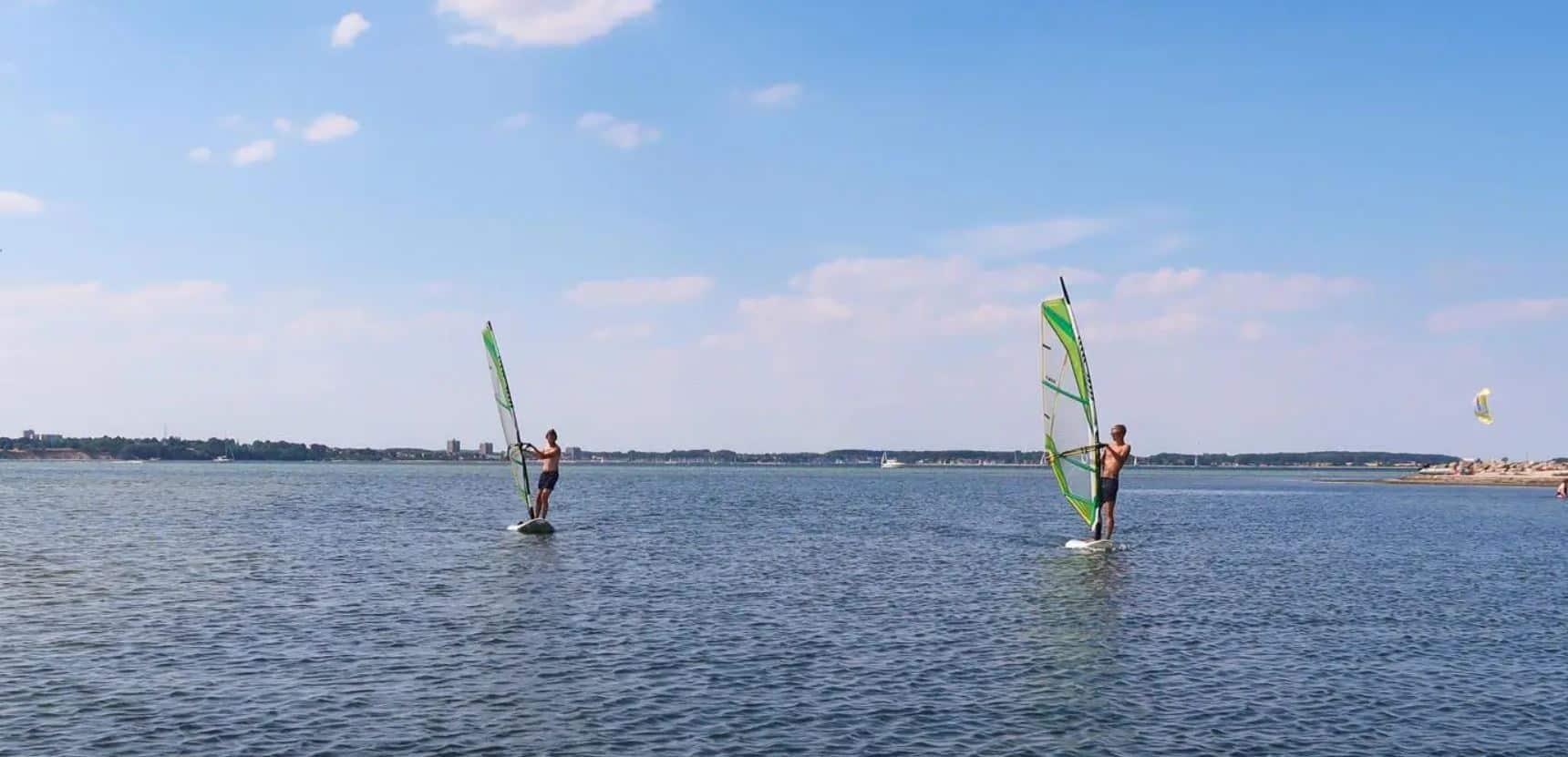windsurfen kiel draussen Windsurfen
